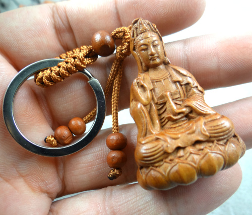 Natural mahogany three-dimensional engraving Guanyin barrel keychain Buddha key ring jewelry gift for men and women 1pc(China)