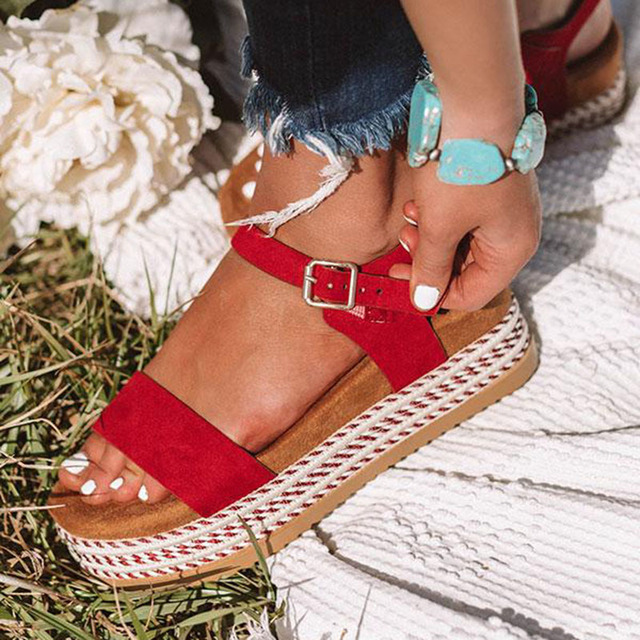 Women Shoes With Platform Sandals Straw Thick Bottom Ladies Sandals Peep Toe Beach Sandals Flat Belt Buckle Summer Shoes Woman