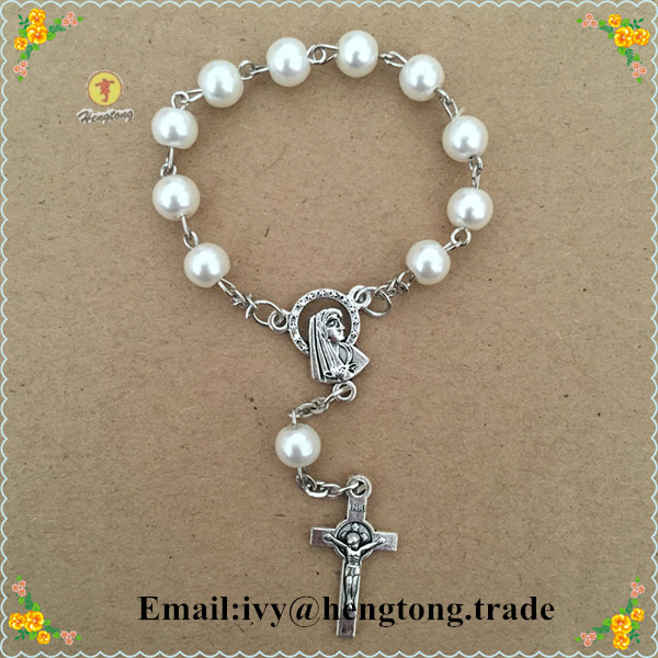 freeship 6mm white glass beads rosary bracelet,religious catholic bracelet with Virgin Mary centerpiece and alloy cross