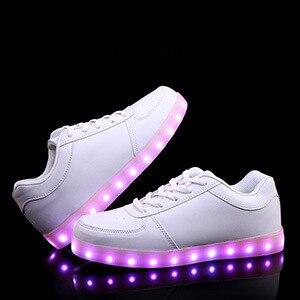 2017 led Человек повседневная обувь zapatos mujer мода Привела обувь для взрослых плюс размер кроссовки светодиодный световой мужской обуви мужской