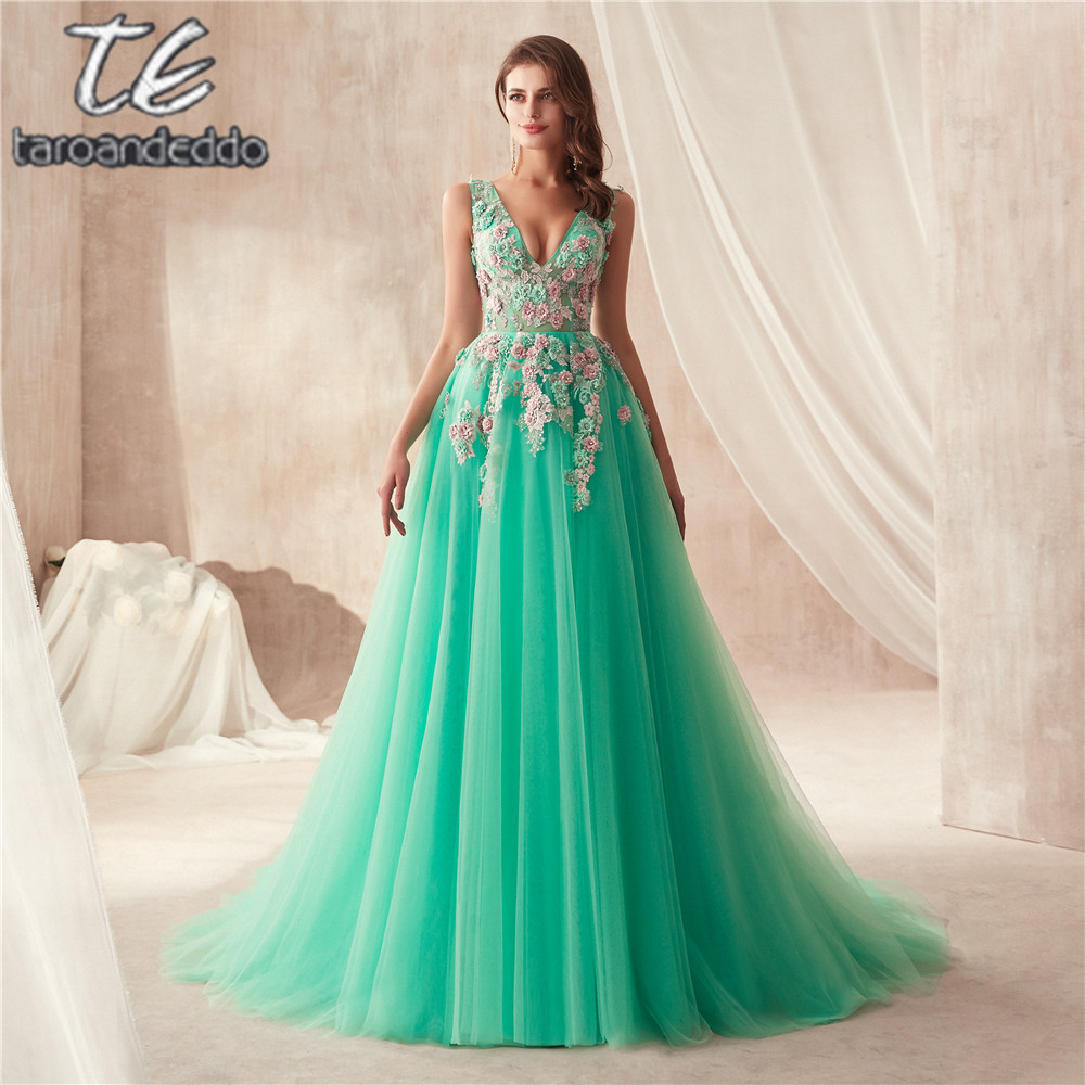 2019 New Arrival V neck Multi Color Lace Applique Mint Tulle Prom Gowns See Through Sexy