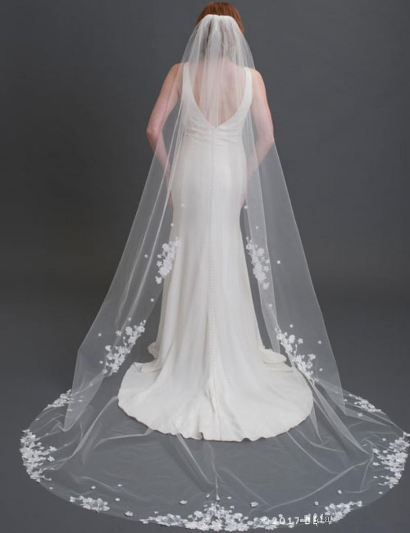 Cheap Wedding Veils Applique One Layer 2.5m Chapel Length Robe De Mariee Purfle Bridal Accessories Veils Bridal Wraps
