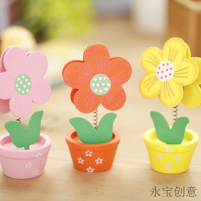 1 PCS Lovely Creative  Little Flower Hood Wooden Crafts Memo Clamp Photo Clip Note Holder For Office Study Room Decoration