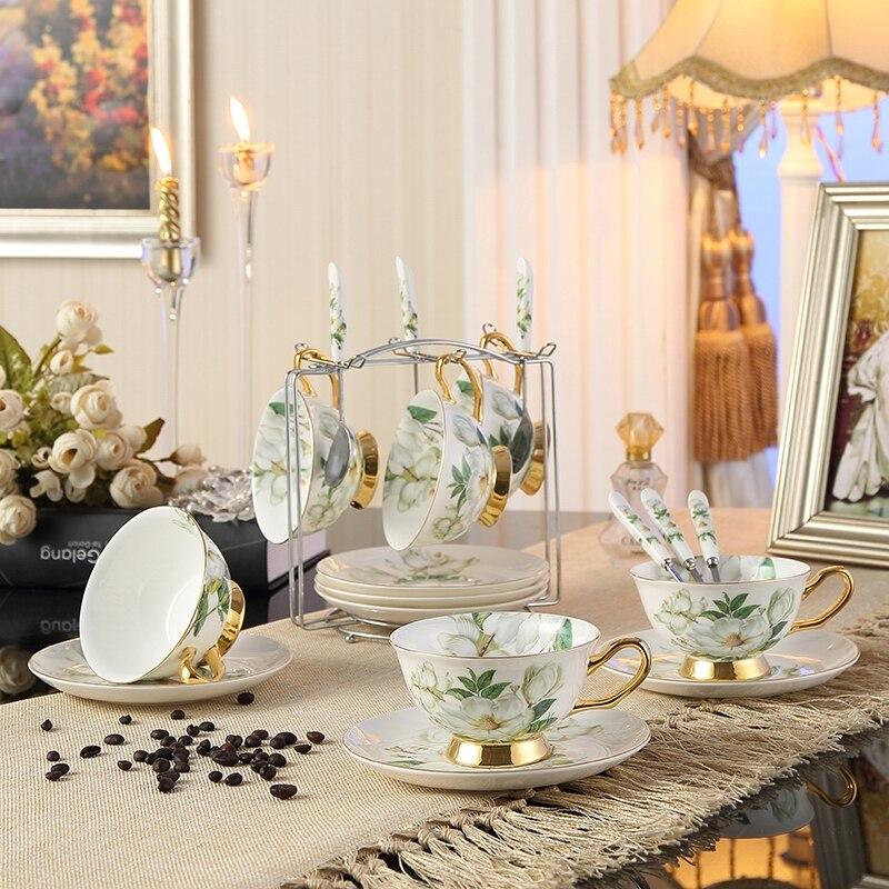 Livraison gratuite britannique Royal porcelaine os chine tasses à café ensemble en céramique tasse à thé soucoupe avancée plateau de thé boisson
