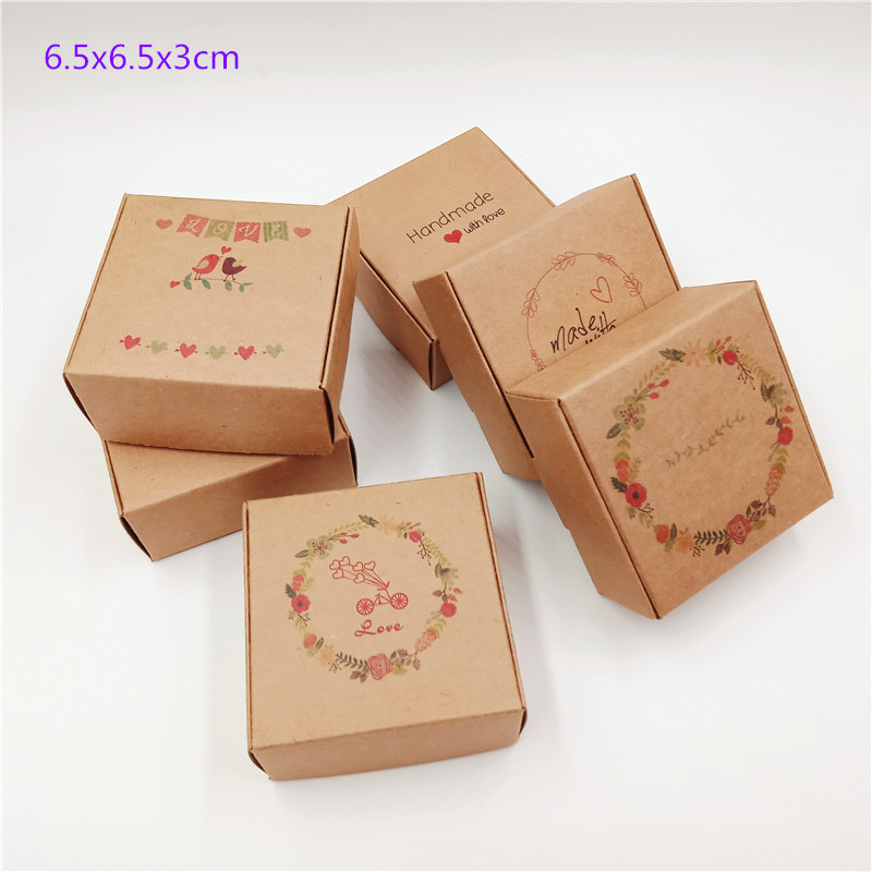 20Pcs  2019 New Year Multi Styles Gift/Candy Box DIY Handmade With Love Cardboard Gift Boxes Handmade Soap Packaging Paper Box