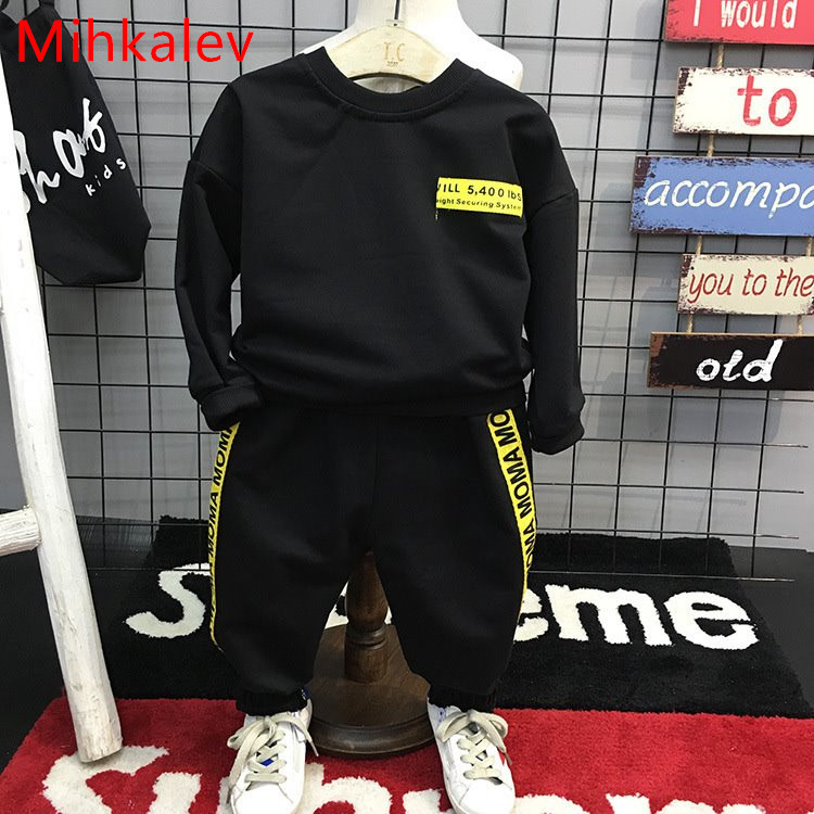 Mihkalev Active baby boy clothes suits for children clothing set black t shirt and pants boys 2pcs sport suit kids tracksuits baby boy clothes 2017 brand summer kids clothes sets t shirt pants suit clothing set star printed clothes newborn sport suits