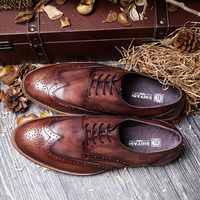 2017 Newest Men's casual shoes brown genuine leather shoes Italian carved Bullock leather shoes men Vintage pointed shoes EU44