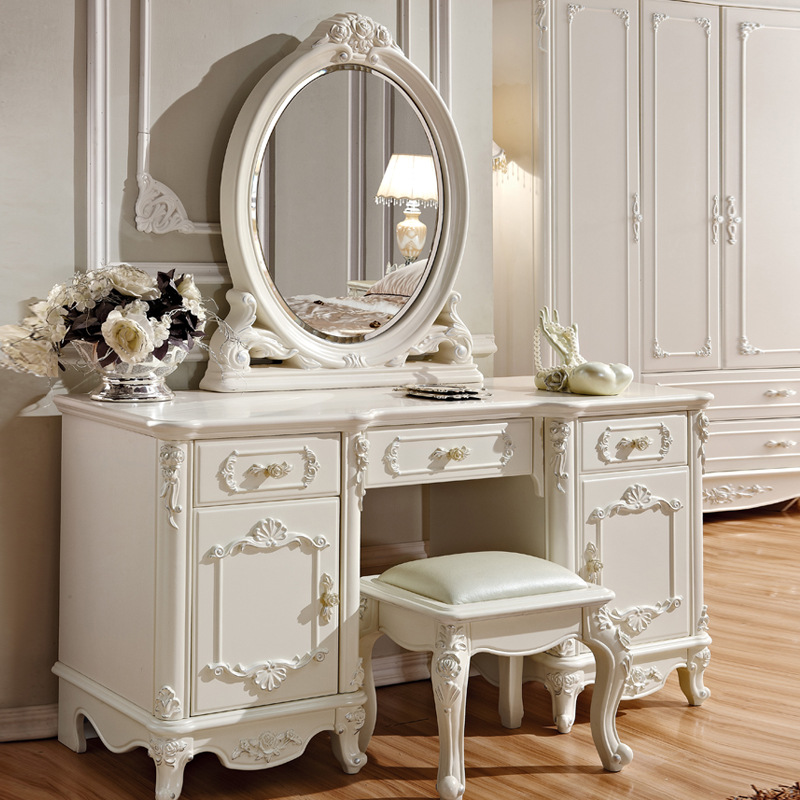 European style dressing table, a small apartment, a small room, a dresser ...