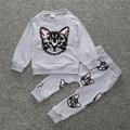 2016 новый набор ребенок прохладно снаружи носить пальто + брюки дети комплект одежды детская одежда девушки мультфильм мало кошка печатных костюм