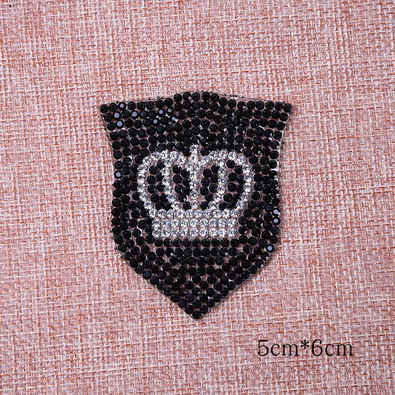 Sparkling RhinestoneCrown Shield iron on Clothing badges fashion Diamond stickers t shirts applique Hat luggage accessories