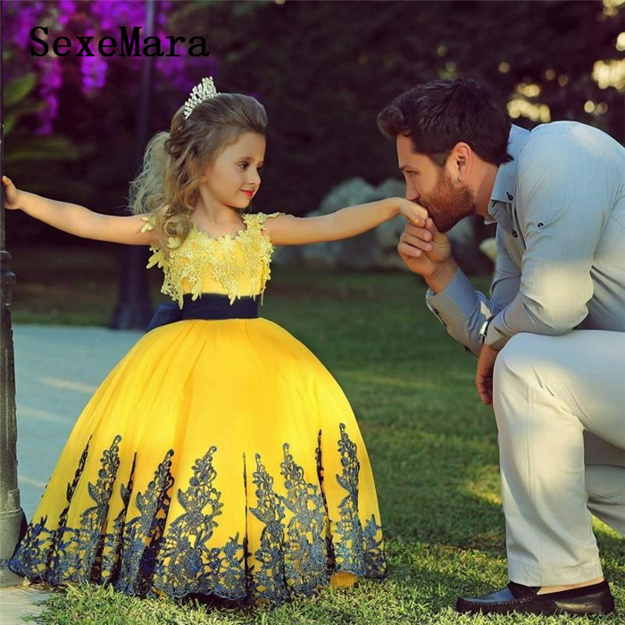Yellow Ball Gown For Little Girls Birthday Dress Lace Applique With Ribbon Ankle Length Girls Pageant Party Dress Custom Made