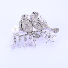 47 36 16mm Duplo Aves Strass Pérolas De Cristal Grandes Broches Para As  Mulheres de Zircão de Cobre Jóias Fashion Sorority ataca. 97054cf5276