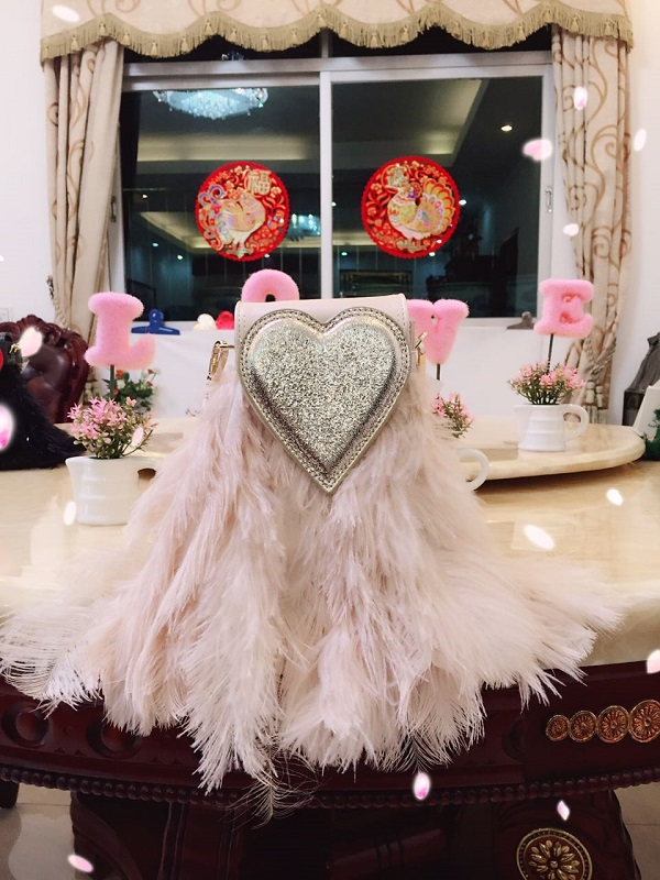 Womens Handbags Love Ostrich Feather Bag Tassel Chain Small Square Bag Hand Strap Shoulder Crossbody Bag Bolsa FemininaWomens Handbags Love Ostrich Feather Bag Tassel Chain Small Square Bag Hand Strap Shoulder Crossbody Bag Bolsa Feminina