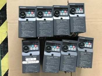 FR-D720-0.2K    inverter   Good appearance ,  90% new   ,90 days  warranty   , in stock  free shipping
