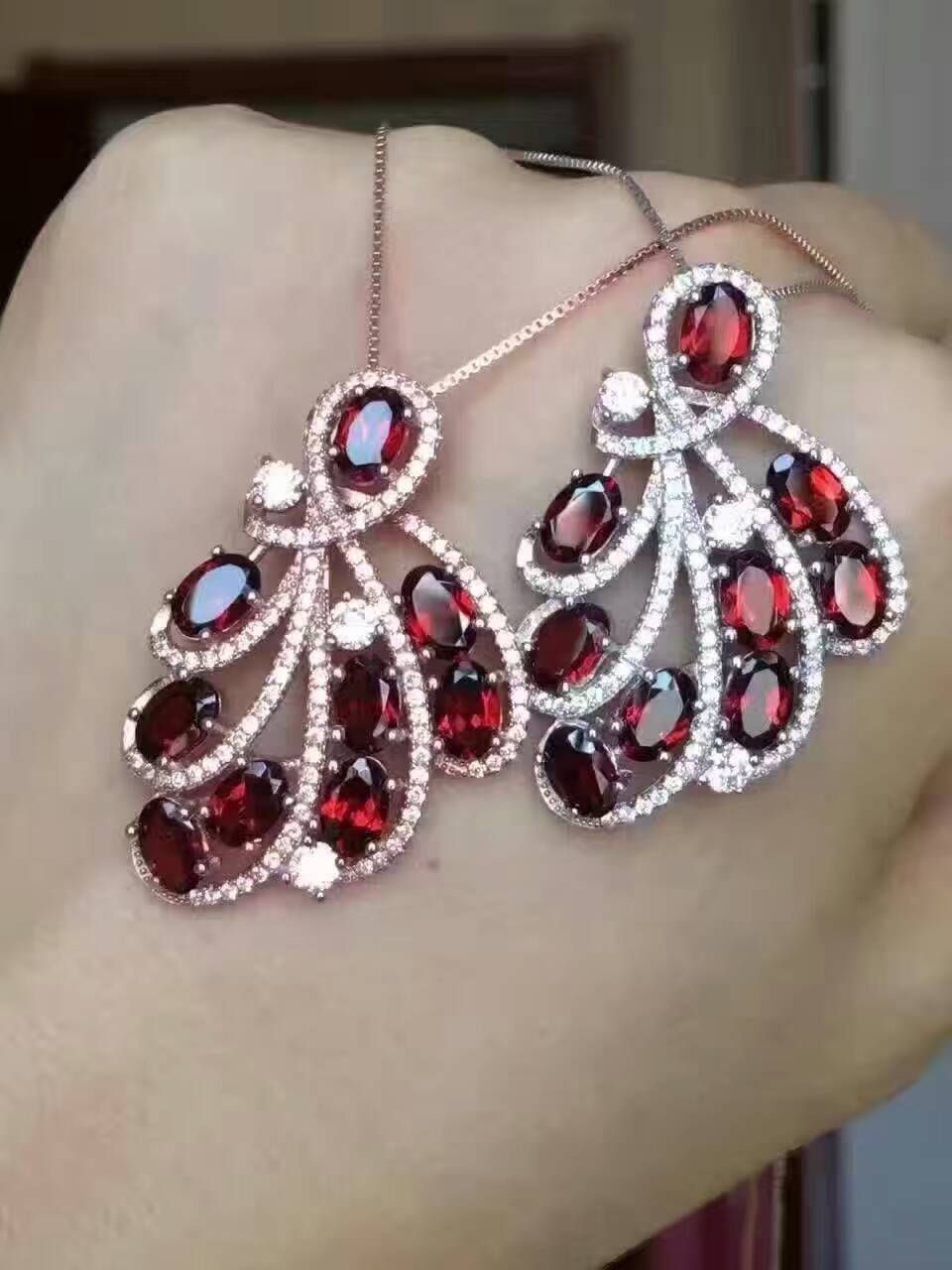 natural red garnet gem pendant S925 silver Natural gemstone Pendant Necklace trendy Luxury Leaf dinette Phoenix tai girl jewelrynatural red garnet gem pendant S925 silver Natural gemstone Pendant Necklace trendy Luxury Leaf dinette Phoenix tai girl jewelry