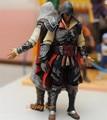Figura de acción del Anime Assassins Creed Ezio II ver. negro juguetes garaje Kits Brinquedos