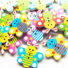 suoja 15/50Pcs Random Mixed Colorful 2 Holes Pattern Wood Bottons Animal Lovely Cartoon Butterfly Buttons