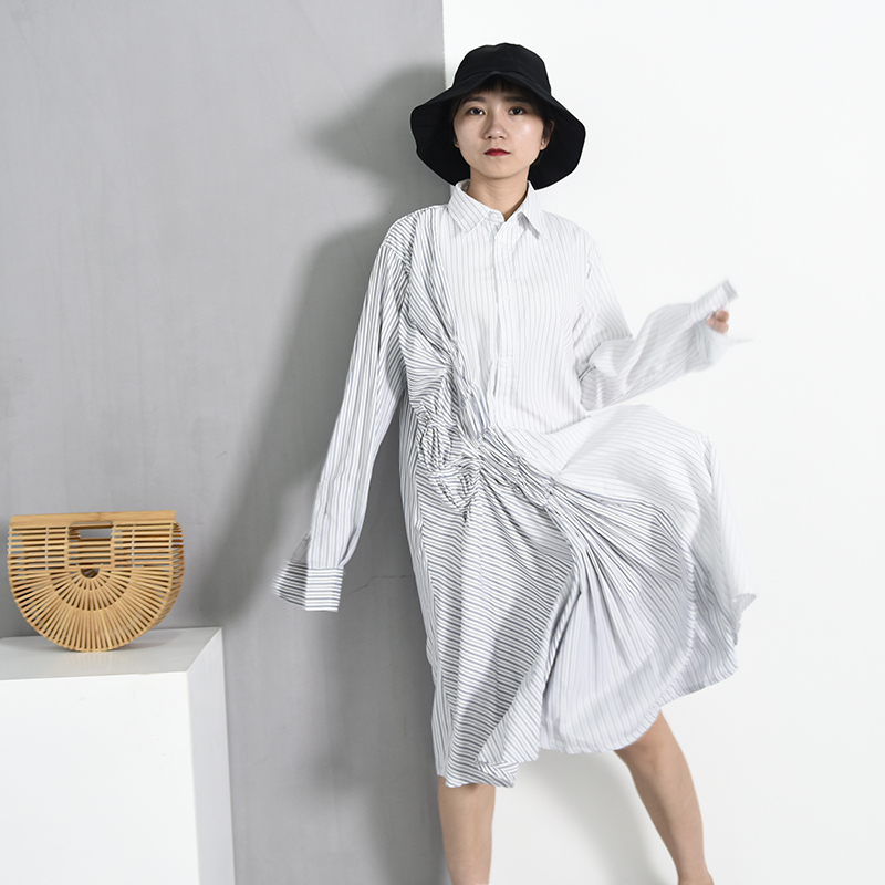 LANMREM 2018 New Summer Fashion Tide White Striped Turn-down Collar Single Breasted Long Sleeve Pleated Woman Dress WA388