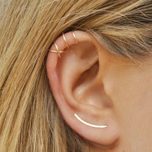 aiboduo Hot Selling Simple Cross Ear Clip Personality Double C Cartilage U - Shaped Earless Hole Stud Metal Girl