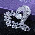 Moda de Luxo Broche Embutidos Cz Heart-shaped Amor Broches Para As Mulheres Moda Imitação de Pérolas Casamento Broche Mulheres Pin Atacado