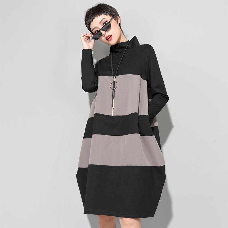 Europe United States women's wear loose film new winter dress color matching type cocoon version render outside wear lon(China)