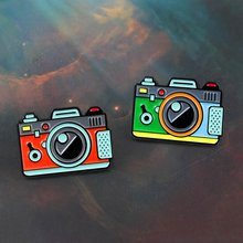 Red Green Color Camera Brooch 2Color Rainbow Digital Camera Enamel Pins Coat Cap Backpack Photography And Kids Badge Gifts(China)