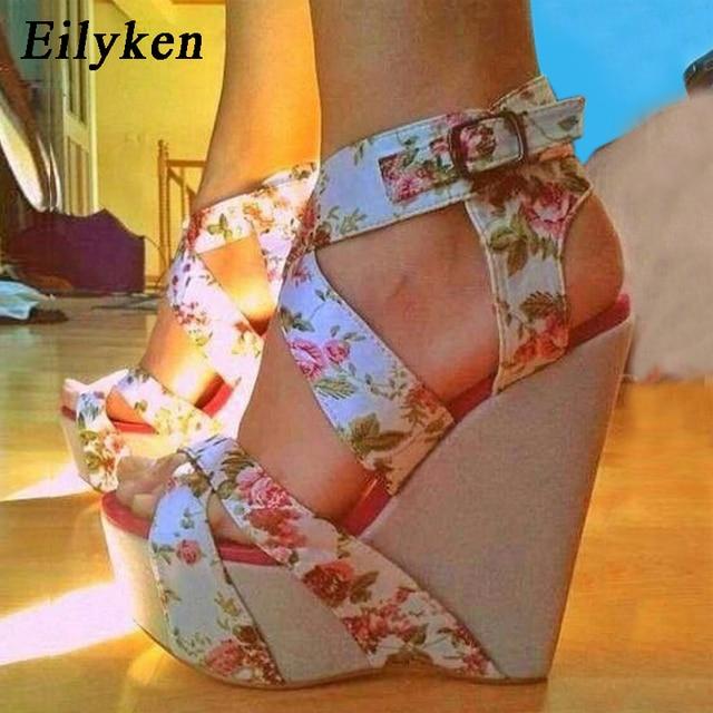 Eilyken 夏のファッションウェッジプラットフォーム女性のサンダルの靴バックルストラップシルクプリントセクシーな女性パーティーカジュアルサンダル靴