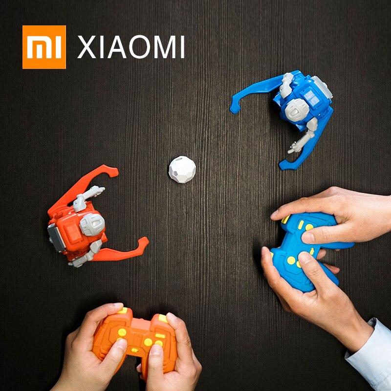 Oyuncaklar ve Hobi Ürünleri'ten Aksiyon ve Oyuncak Figürleri'de Yeni XIAOMI MIJIA YARı futbol Robot akıllı uzaktan kumanda oyuncak Elektrikli Futbol doğum günü hediyesi çocuk Dünya Kupası futbol'da  Grup 1