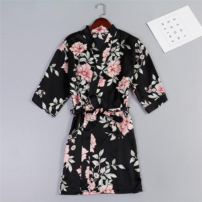 7628b39b Nuevas mujeres satén boda novia dama de honor bata Floral Albornoz Sexy  corto Kimono bata camisón ...