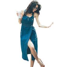 Женское длинное джинсовое платье с разрезом приталенное модное