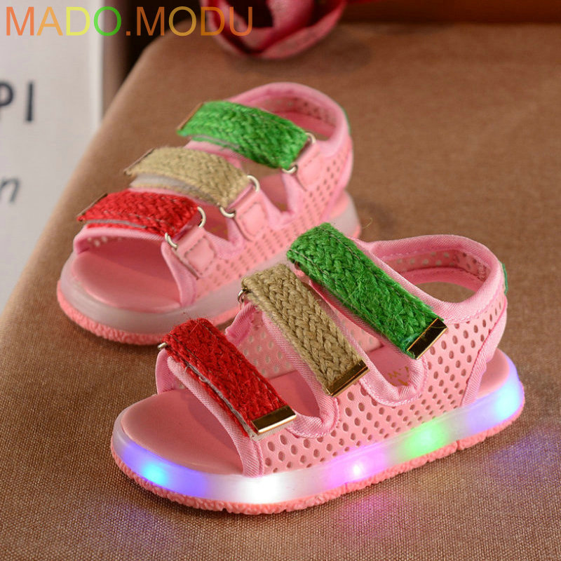 Kids Beach Sandals 2018 New Brand Summer Children Casual Glowing Shoes Baby Boys LED Shoes for girl Sandal with light EU 21~30