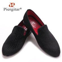 Modelo de lunar de Piergitar hombres zapatos de estilo Británico de Moda fumar zapatillas de terciopelo hombres de los holgazanes de los hombres zapatos de vestir del banquete de boda