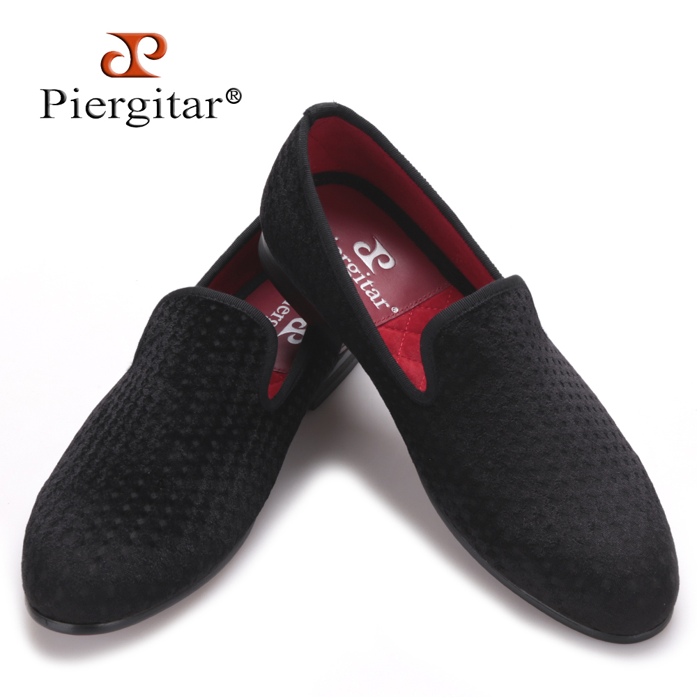 Piergitar polka dot pattern men velvet shoes Fashion British style smoking slippers party wedding men's loafers men dress shoes handcraft men velvet shoes with bird embroidery british style smoking slippers fashion party and wedding men dress loafers