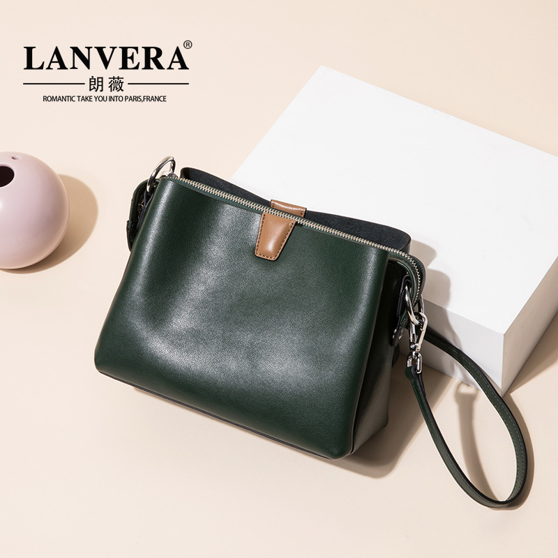 layer of leather shoulder bag retro casual leather Crossbody handbag leather large capacity contract on behalf of a layer of leather shoulder bag retro casual leather crossbody handbag leather large capacity contract on behalf of a