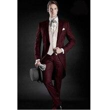 Borgoña Tailcoat hombres boda 3 unidades hombres traje barato padrinos boda  FRAC (chaqueta + Pantalones + chaleco) 890a39c4c2d