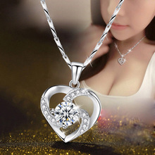 купить New Clavicle Japan and South Korea Heart Pendant Silver Plated Crystal Female Pendant Necklace Blue Crystal Necklace дешево