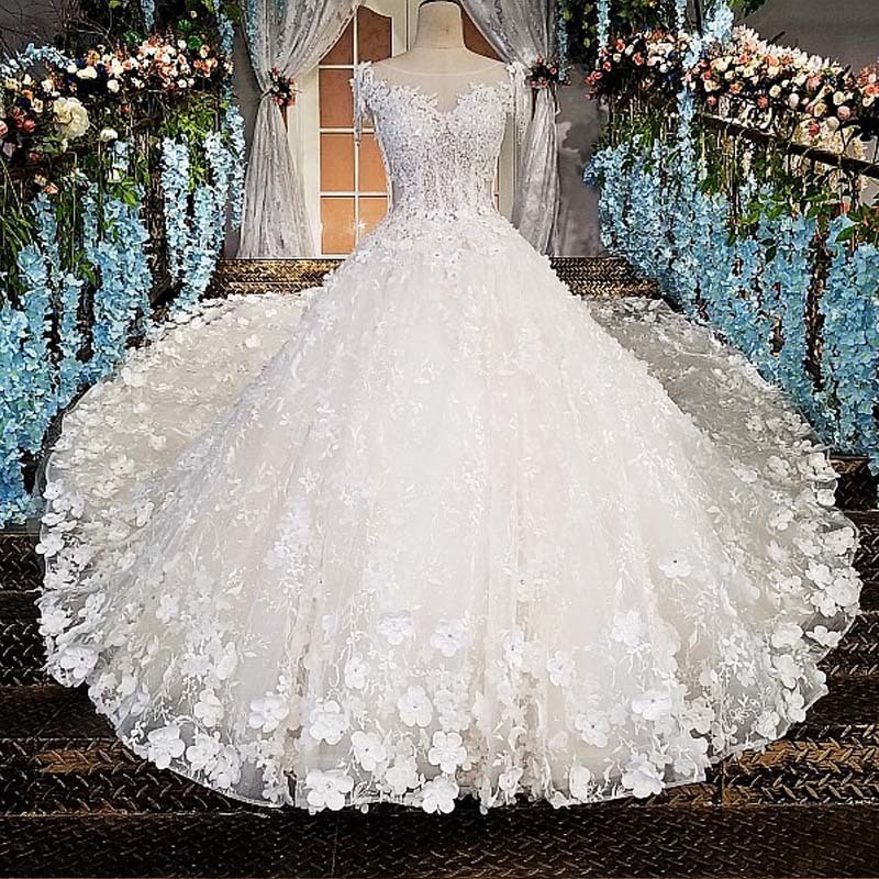 Luxury Wedding Dress For Bridal Beaded Ball Gown Shiny