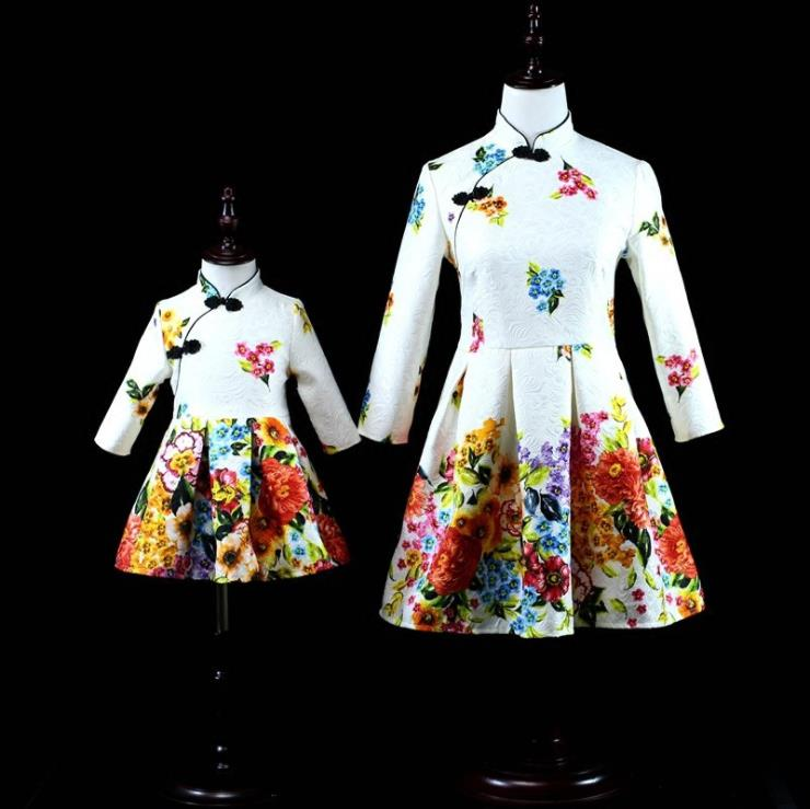 Europe and the United States 2018 autumn The new Parent-child outfit Seven-sleeve printed jacquard mother-daughter dress the good mother