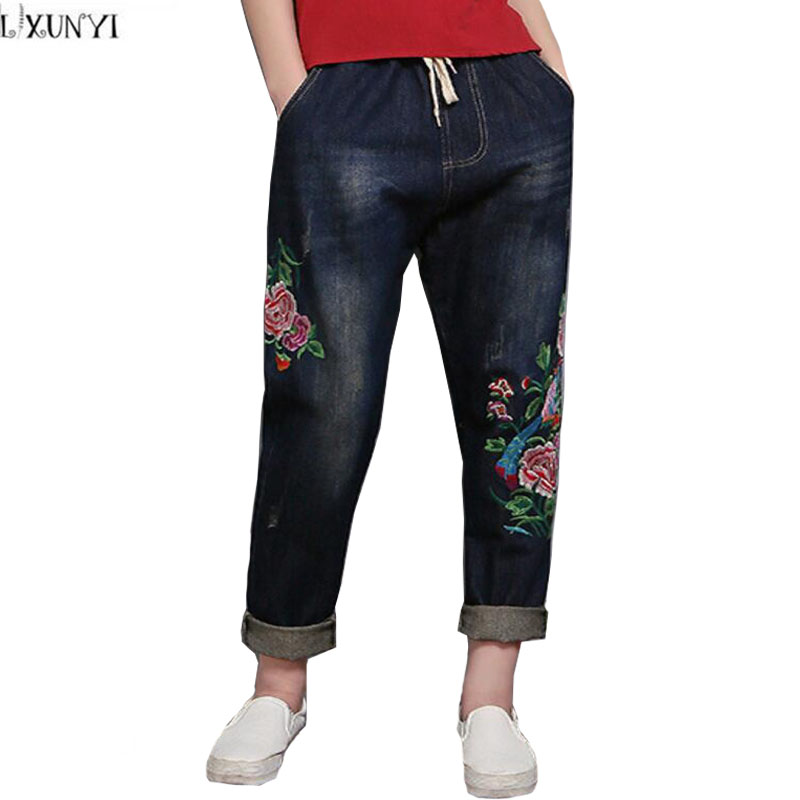 ФОТО Plus Size Denim Trousers Women Spring New 2017 Casual Vintage Womens jeans With Embroidery Cuffs Loose Hot Pants jeans feminina