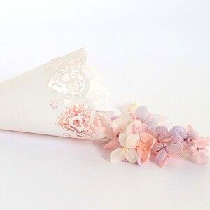 Image 5 - Bộ 50 Tiệc Cưới Confetti Nón Cánh Hoa Kẹo Đặt Cưới Ủng Hộ Nữ Thời Trang Trái Tim, viền hoa Giấy Nón Tặng Đóng Gói Giấy