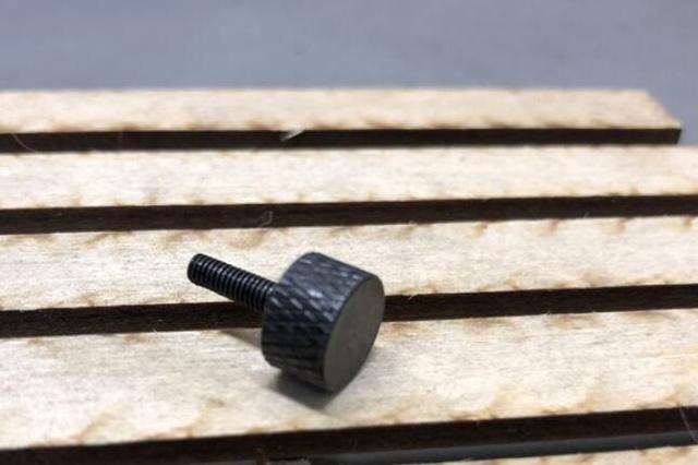 Portador de neumáticos de repuesto tuerca de bloqueo manual para CD15827 para RC Rock orugas 4x4 camión Capo Jkmax JK Wrangler 1/10