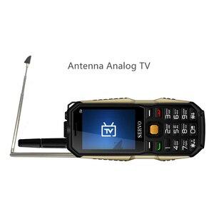 """Image 3 - Original Telefon SERVO P20 2,4 """"Quad Band 3 SIM Karte Handy GPRS TV Stimme Ändern Laser Taschenlampe Power Bank russische tastatur"""