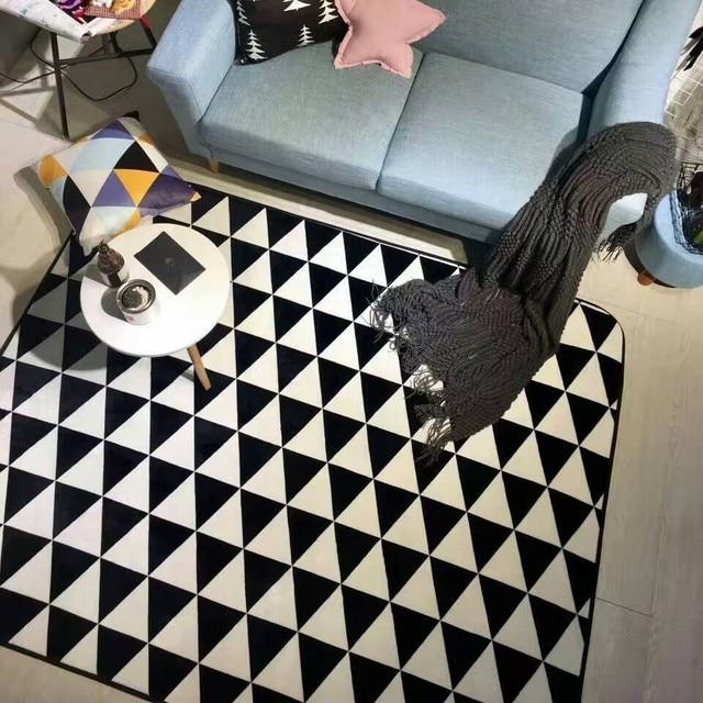 Stile moderno in bianco e nero triangoli geometrico a righe ...