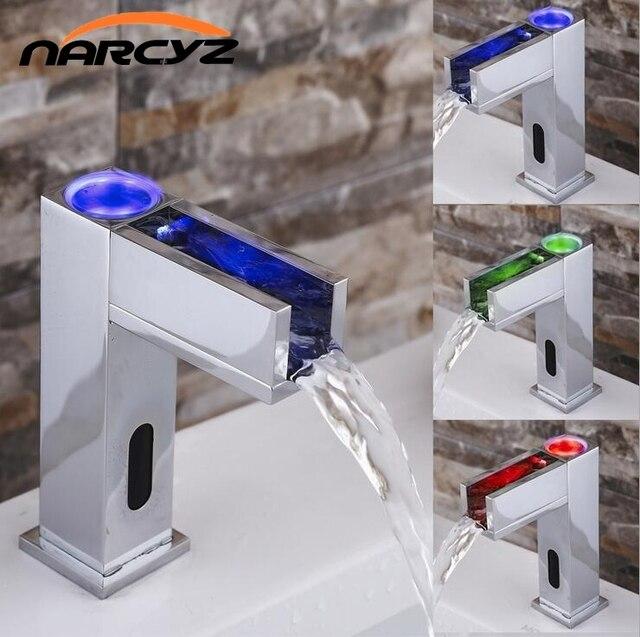de nieuwe led verlichting met waterval volledige koper automatische hot en koude gemengde water automatische