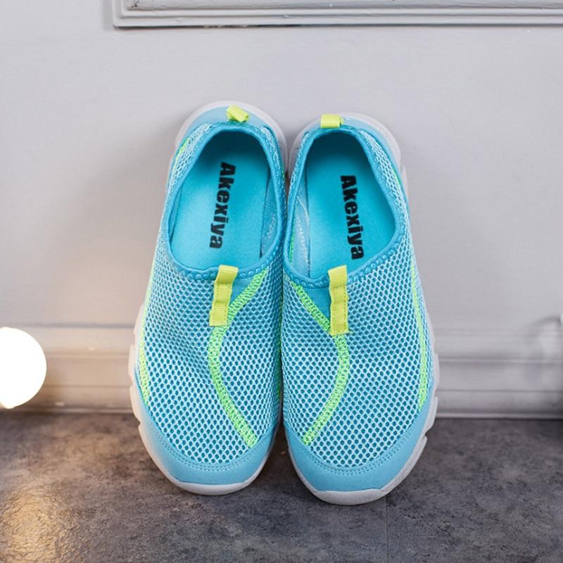 ผู้หญิงที่เดินทางมาพักผ่อนรองเท้ากีฬานุ่มลื่นแสงสวมใส่ตาข่ายระบายอากาศรองเท้าผ้าใบ 2018 หญิงสบายสีฟ้าสีชมพู 35 36 37 38 38