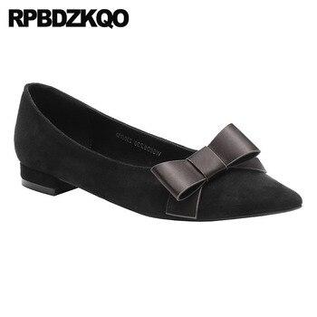 милые черные квартиры   Женская обувь из кавайной замши с бантиком и острым носком; Цвет Черный; Дизайнерская обувь на плоской подошве с милым бантом; модель 2018 года