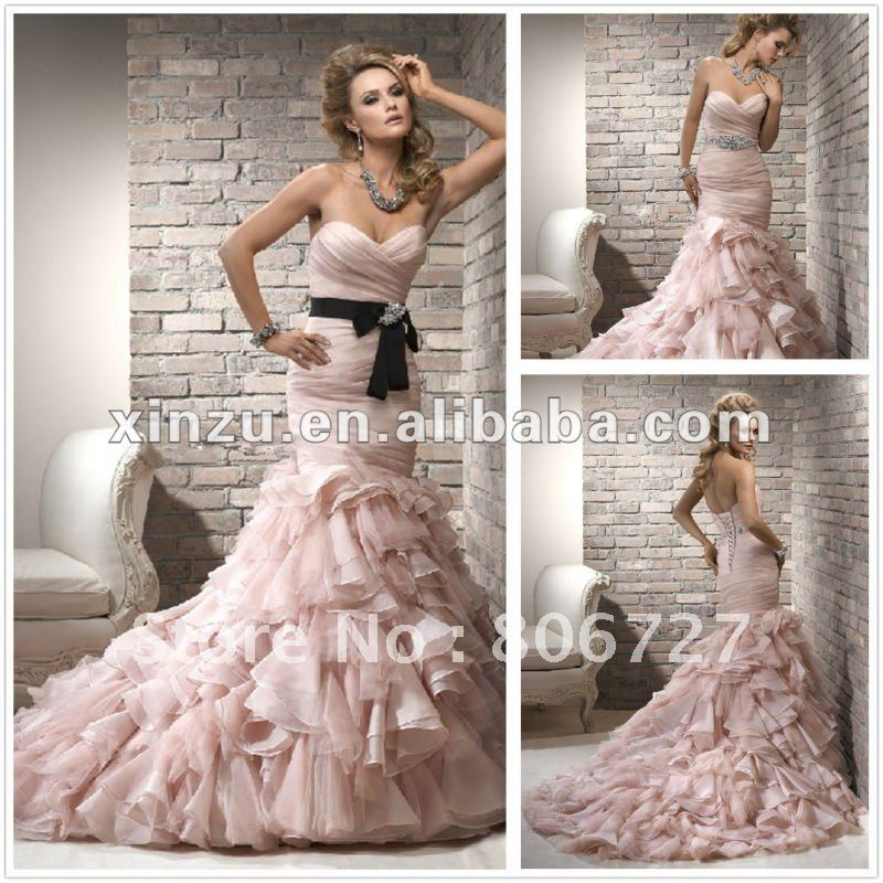 Funky Wedding Gowns: Funky Chic Strapless Sweetheart Ruched And Layers Skirt