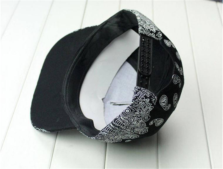 530aceb74fbe21 Free Shipping 2015 New Brand Fahion Harajuku Style Street dance Bandana  Print Plain Black White Snapback Baseball Cap -in Baseball Caps from  Apparel ...