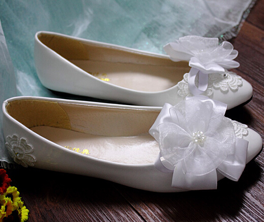 Flats heel woman wedding shoes bridesmaid shoe white bow bowtie pearl  ornament female ladies party flats shoe -in Women s Flats from Shoes on  Aliexpress.com ... 8bca34cc5738