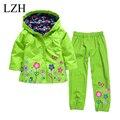 LZH 2016 Niños Impermeable (Hoodie + Pants) Ropa de Las Muchachas de Flor de Impresión Chaqueta Con Capucha Niños Que Arropan Sistemas Ropa de los cabritos